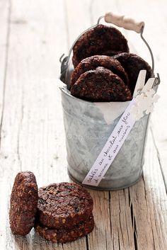 ... sablés au chocolat, aux flocons d'avoine et aux raisins ...