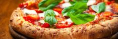 How To Make Perfect Pizza Margherita – Traditional Italian Recipe - Food and drink Pizza Sans Gluten, Acid Reflux Recipes, Acid Reflux Diet Plan, Gerd Diet, Avocado, Perfect Pizza, Free Meal Plans, Le Diner, Le Chef