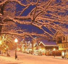 Winter in Bavarian themed town of Leavenworth, in Washington State, USA
