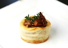 Vols-au-Vent Recipe Puff Pastry Puff Pastry Recipes Savory, Puff Pastry Appetizers, Pastries Recipes, Vol Au Vent, Wine Recipes, Gourmet Recipes, Appetizer Recipes, Lorraine, How To Make Pastry