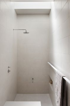 minimalist shower ro