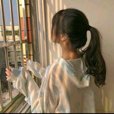 Mode Ulzzang, Ulzzang Korean Girl, Korean Girl Photo, Korean Girl Fashion, Pretty Korean Girls, Cute Korean Girl, Teenage Girl Photography, Girl Photography Poses, Korean Aesthetic