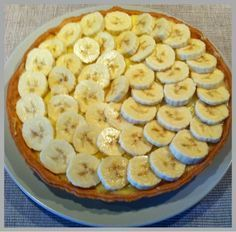 Benodigdheden: Kruimeldeeg: (ik heb hier de luie manier gekozen en de taartbodem kant en klaar gekocht) 25... No Bake Desserts, Healthy Desserts, Delicious Desserts, Yummy Food, Banana Cream Pudding, Banana Pie, Pie Cake, No Bake Cake, Baking Recipes