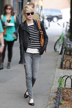 Emma Stone  jeans y rayas