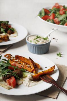 dukkah crusted chunky sweet potato fries with tahini dipping sauce // vegan & gluten-free