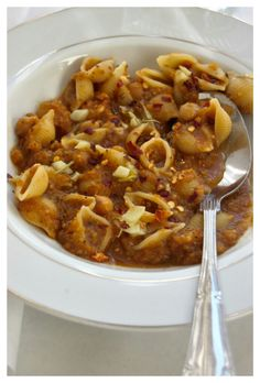 Pats e ceci (pasta with chickpeas) from bon appetit.  {naivecookcooks.com}