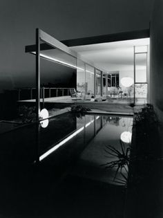 Image 3 of 14 from gallery of Julius Shulman Kaufmann House, 1947 Palm Springs, CA / Richard Neutra, architect © Julius Shulman Richard Neutra, Blue Haven Pools, Residential Architecture, Amazing Architecture, Interior Architecture, Building Architecture, Installation Architecture, Miami Architecture, California Architecture