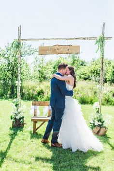 18 Trendy Ideas For Wedding Bohemian Diy Backdrops - Wedding Ideas Wedding Ceremony Backdrop, Outdoor Wedding Decorations, Wedding Backdrops, Funny Wedding Vows, Wedding Couples, Wedding Ideas, Quirky Wedding, Trendy Wedding, Wedding Things