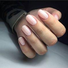 Semi-permanent varnish, false nails, patches: which manicure to choose? - My Nails Shellac Nails, Nude Nails, Diy Nails, Gel Nail, Minimalist Nails, Types Of Nails Shapes, Neutral Nails, Nagel Gel, Stylish Nails
