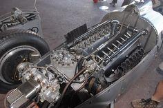 Auto Union Type C: 16 cilindros, 530 cv e 340 km/h. Maserati, Bugatti, Moto Guzzi, Honda Cb750, Nissan 370z, Lamborghini Gallardo, Grand Prix, Aston Martin, Mazda