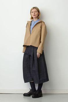 Studio Nicholson - Pre - Autumn/Winter 2015-16 Ready-To-Wear - LFW (Vogue.co.uk) Fashion Socks, Fashion Outfits, Womens Fashion, Japan Fashion, London Fashion, Studio Nicholson, Vogue, Classic Wardrobe, Fall Winter