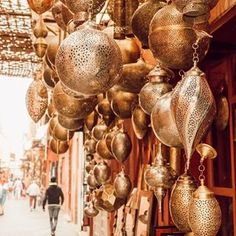 Morocco: Our Route & Tips for Marrakech, Chefchaouen, Essaouira & Fes - heylilahey. - Morocco: Our Route & Tips for Marrakech, Chefchaouen, Essaouira & Fes – heylilahey. Morrocan Decor, Moroccan Room, Moroccan Theme, Moroccan Lanterns, Moroccan Style, Moroccan Interiors, Moroccan Party, Marrakech Morocco, Morocco Travel