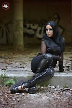 Model: Kali Noir Diamond Photo: Vanic Photography Clothes: Punkrave