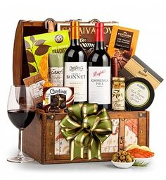 Luxury Wine Baskets: Around the World Wine Chest