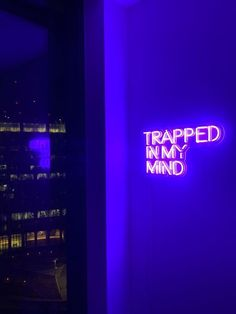 Neon Signs Home, Custom Neon Signs, Led Neon Signs, Neon Licht, Neon Quotes, Purple Quotes, Design Exterior, Neon Words, Neon Room
