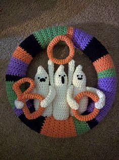 Thanksgiving Crochet, Crochet Fall, Crochet Home, Crochet Crafts, Crochet Projects, Crochet Christmas Wreath, Crochet Wreath, Holiday Crochet, Crochet Pour Halloween