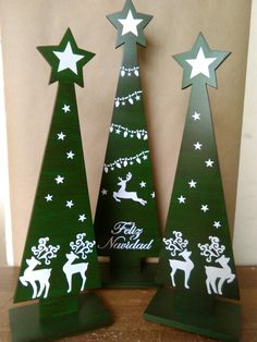 48 Ideas diy christmas decorations for outside pallets Outside Christmas Decorations, Christmas Yard Art, Pallet Christmas Tree, Christmas Tree Design, Christmas Signs, Rustic Christmas, Christmas Projects, Christmas Holidays, Christmas Ornaments