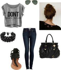 Skinny jeans, grey crop top, raybans, messy bun, sandals