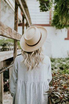 Straw hat gigipip style & such в 2019 г. hats, outfits with Outfits With Hats, Cute Outfits, Boho Outfits, Boho Fashion, Fashion Dresses, Fashion Hats, Fashion 2018, Fashion Online, Floppy Hats