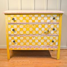 I am diggin this chest! Yellow Dresser, Real Milk Paint, 3 Drawer Chest, Dream Apartment, Annie Sloan Chalk Paint, Furniture Inspiration, Painted Furniture, Drawers, Room Decor