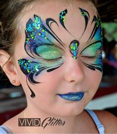 Simple face painting designs are not hard. Many people think that in order to have a great face painting creation, they have to use complex designs, rather then simple face painting designs. Face Painting Tutorials, Face Painting Designs, Paint Designs, Adult Face Painting, Painting For Kids, Body Painting, Butterfly Face Paint, Butterfly Makeup, Hallowen Schminke