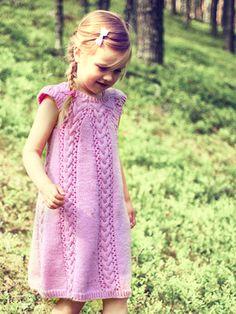 Tytön neulemekko Novita 7 Veljestä   Novita knits