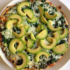 avocado and spinach pizza - Ihan Kaikki Kotona