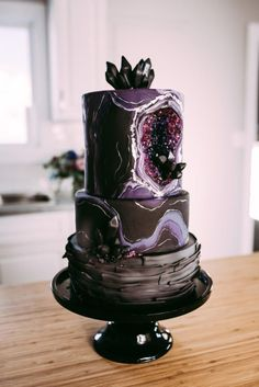 20 Amethyst Geode Wedding Cakes Dark and Edgy Geode Cake Dark and Edgy Geode Cake Bolo Geode, Geode Cake, Pretty Cakes, Beautiful Cakes, Amazing Cakes, Crazy Cakes, Unique Cakes, Creative Cakes, Crystal Cake