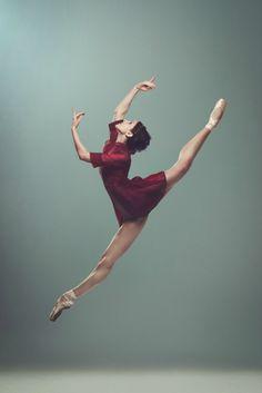 Ballerina Pau Cassaиo Bailarina – Ballet Estable del Teatro Colón Photo by Lupe Jelena Photographer  dance | ZsaZsa Bellagio - Like No Other