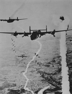 "Bombers B-24 ""Liberator» (Consolidated B-24 Liberator) 446 th Bomb Group U.S. dropped bombs on the French city of Tours."