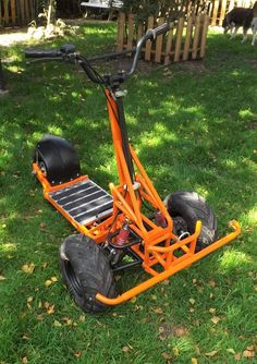 Similiar Scooter Bike, Kick Scooter, Mini Bici, Gas Powered Scooters, E Quad, Homemade Go Kart, Homemade Motorcycle, Go Kart Plans, Diy Go Kart