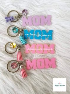 Excited to share this item from my shop: Mom Keychain Epoxy Resin Art, Diy Resin Art, Diy Resin Crafts, Keychain Design, Diy Keychain, Keychain Ideas, Jewelry Tags, Resin Jewelry, Fine Jewelry