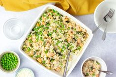With leeks, peas and salmon, this oven baked risotto makes for a healthy baby recipe that the whole family can enjoy. Salmon Risotto, Risotto Rice, Oven Baked Risotto, Avocado Dip, Frozen Peas, The Dish, Meals For One, Casserole Dishes, Baby Food Recipes