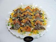 Bandeja de Canapés Ahumados de Restaurante Lhardy asociado a nuestra web www.catering.apanymantel.com y con entrega a domicilio en Madrid.