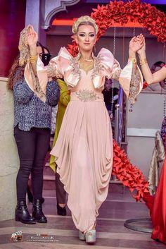 Şalvarlar Girls Dresses, Prom Dresses, Wedding Dresses, Fashion Pants, Fashion Outfits, Abaya Designs, Contemporary Fashion, Mom Style, Traditional Dresses