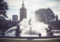 Fountain in the square.gif - анимация на телефон №1305081