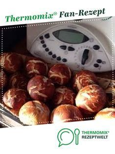 Laugenbrötchen ratz fatz von MöniZitröni. Ein Thermomix ® Rezept aus der Kategorie Brot & Brötchen auf www.rezeptwelt.de, der Thermomix ® Community.