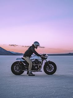 Every custom motorcycle builder has their own way of working: usually in solitude, with their own familiar tools and techniques honed over years of practice. So when David Chang from @caferacersofinstagram had the idea to round up some of the best bike builders in the business to create a custom motorcycle in a week to raise money for the charity Waves for Water, he always knew it was going to... Custom Motorcycle Builders, Access To Clean Water, Bike Builder, Forty Eight, Custom Harleys, Metal Fabrication, Once In A Lifetime, Save Water, Cool Bikes