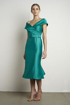 0b746dd6f9 Vestido curto em zibeline na cor esmeralda