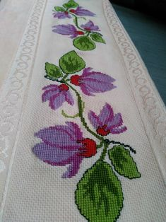Diy And Crafts, Cross Stitch, Rugs, Home Decor, Weekly Menu, Hand Embroidery, Hands, Crossstitch, Homemade Home Decor