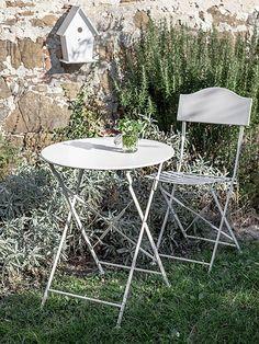 Tavolo in Ferro Bianco Bistrot Fiorirà Un Giardino   Coquelicot Design Tavolo realizzato in ferro. Decorato color bianco.  Adatto per interno ed esterno.
