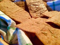 Crackers magri integrali, ideali sia come sostituti del pane sia come merenda da tenere sempre a portata di mano. Un gusto eccezionale per sole 19 calorie.