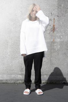nike-slides_oversized-white-knit_zara_minimalism-fashion_white-look