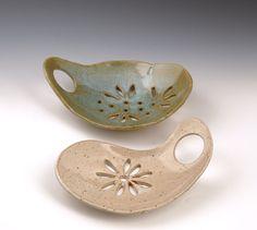 Items similar to Handmade Ceramic Pottery Soap Dish- White o.- Items similar to Handmade Ceramic Pottery Soap Dish- White on Etsy Handmade Ceramic Pottery Soap Dish White by ArtfulEarthPottery - Pottery Kiln, Pottery Handbuilding, Pottery Vase, Ceramic Pottery, Ceramic Soap Dish, Ceramic Pots, Ceramic Clay, Soap Dishes, Handmade Pottery