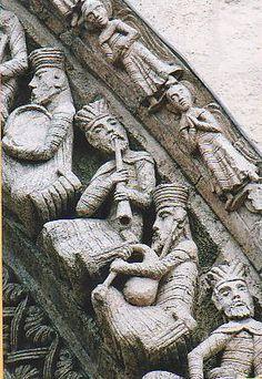 Voussure du portail de l'église Sainte-Croix de Bordeaux Renaissance Music, Medieval Music, Medieval Art, Ste Croix, Bordeaux, Ancient Egyptian Architecture, Art Romain, Romanesque Architecture, Masonic Symbols