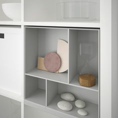 The IKEA Kallax series Storage furniture is an essential element of any home. They offer buy and allow you to keep track. Elegant and delightfully easy the rack Kallax from Ikea , for example. Ikea Kallax Shelf, Kallax Shelving Unit, Ikea Kallax Hack, Ikea Kallax Regal, Ikea Bookcase, Ikea Shelves, Ikea Storage, Cube Storage, Wall Shelves