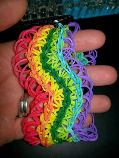 Crafting Fantastic: Rainbow Loom