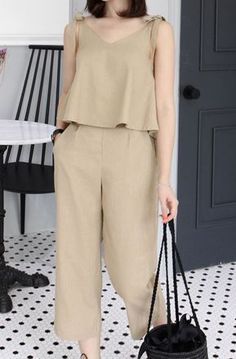 [Miamasvin] Sleeveless Top and Cropped Pants Set Casual Chic, Fashion Pants, Fashion Dresses, Women's Fashion, Mesh Tops, Korean Outfits, Simple Dresses, Blouse Designs, Stylish Outfits