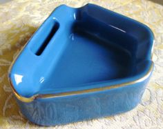 "Hall China 673 Mid Century Modern Aqua Ashtray with Match Holder; Retro ""Boomerang"" Style with Gold Lining 1950s 1960s"
