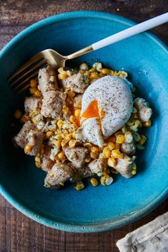 Ricotta Gnocchi with Rosemary Sweet Corn and Poached Egg Vegetarian Recipes, Vegetarian Dinners, Healthy Recipes, Summer Recipes, Great Recipes, Fall Recipes, Ricotta Gnocchi, Farmers Market Recipes, Noodles